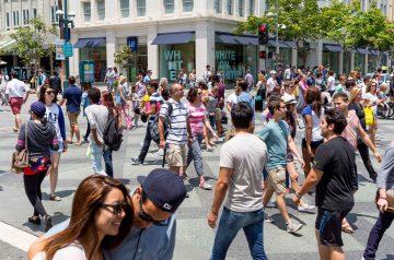 3rd-Street-Promenade crowd
